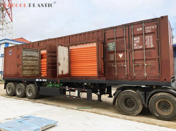 ong-cam-van-chuyen-container